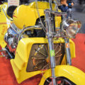BossHosss in Gelb von vorne