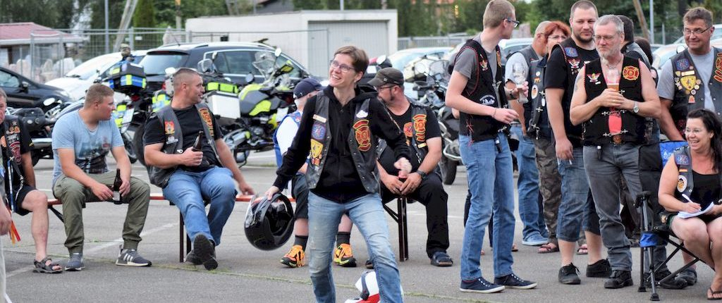 flying helmet sommerparty 2018 redknights germany1 jeanine zwei
