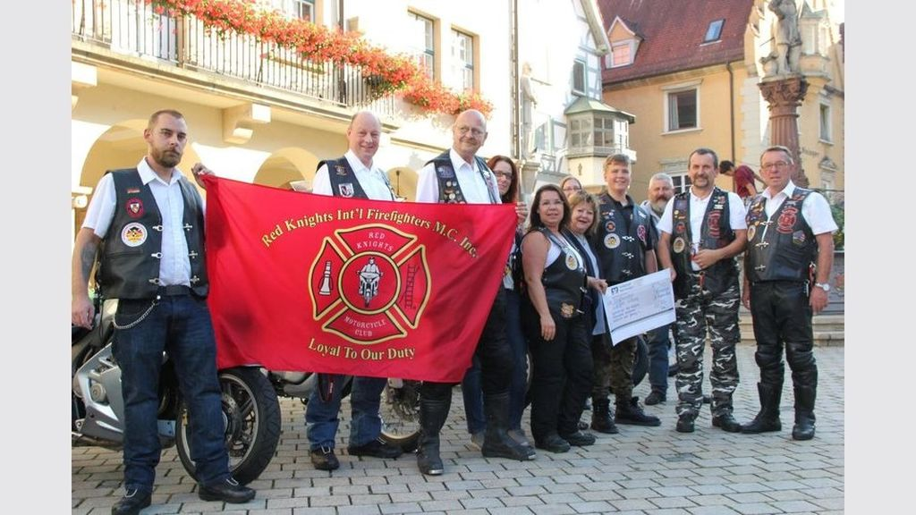 redknights germany1 charity work spende angelo-stiftung 2018