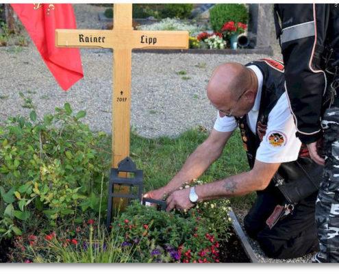 reknights germany1 memorial run 2018 padre besuch auf friedhof ernst entzuendet lebenslicht