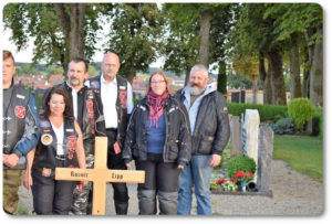 reknights germany1 memorial run 2018 padre besuch auf friedhof kameraden rechts